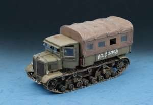 Soviet Voroshilvets Tractor in scale 1-72 Trumpeter 07110