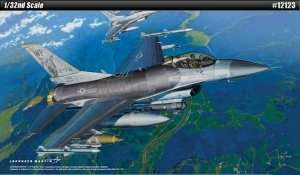 Academy 12123 model F-16 CG/CJ Fighting Falcon
