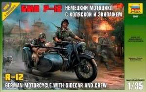 German WWII Sidecar R12 with crew in scale 1-35 Zvezda 3607