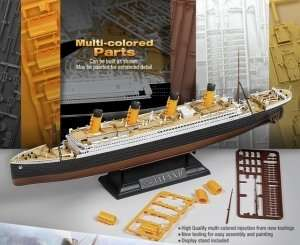 R.M.S.Titanic in scale 1-700