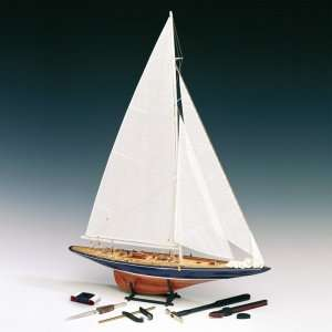 Endeavour - Amati 1700/10 - wooden ship and tools included