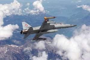 F-5 F Tiger II model Italeri 1382 in 1-72