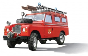 Land Rover Fire Truck model Italeri 3660 in 1-24