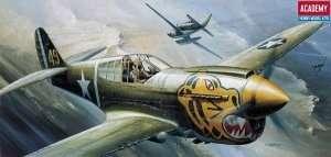 Model Academy 12468 myśliwiec Curtiss P-40E