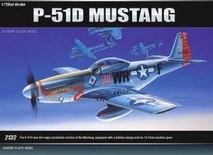 Model Academy 12485 myśliwiec P-51D Mustang