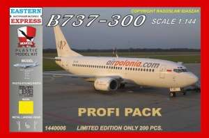 B737-300 Air Polonia model in 1-144