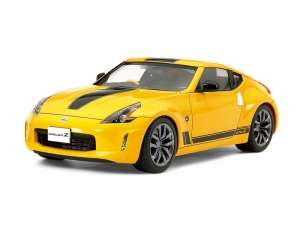Nissan 370Z Heritage Edition model Tamiya in 1-24