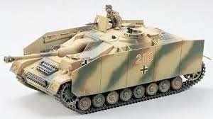 German Sturmgeschutz IV in scale 1-35 Tamiya 35087