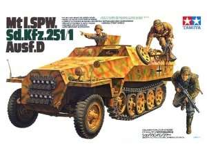 German Mtl. SPW. Sd.Kfz. 251/1 Ausf. D in scale 1-35