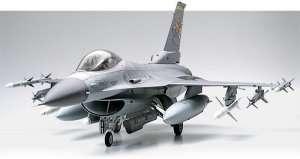 Lockheed Martin F-16 CJ Fighting Falcon in scale 1-32