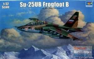 Model Soviet Sukhoi Su-25UB scale 1:32