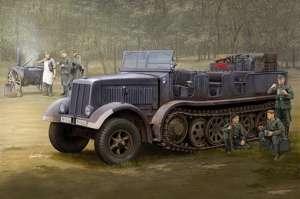 Sd.Kfz.8 (DB9) Half-Track Artillery Tractor model Trumpeter in 1-35