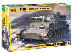German Panzerkampfwagen IV E - model Zvezda in scale 1-35