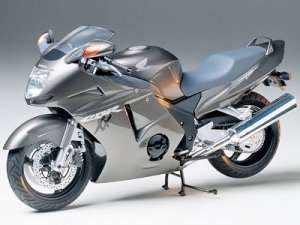 Tamiya 14070 Honda CBR1100XX Super Blackbird