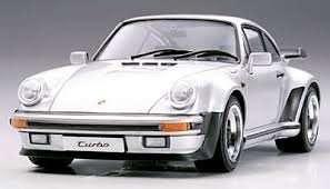 Porsche 911 Turbo 88 in scale 1-24 Tamiya 24279