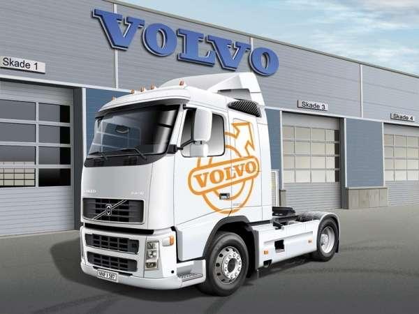 plastikowy-model-ciezarowki-volvo-fh-16-520-sleeper-cab-do-sklejania-sklep-modeledo-image_Italeri_3907_2