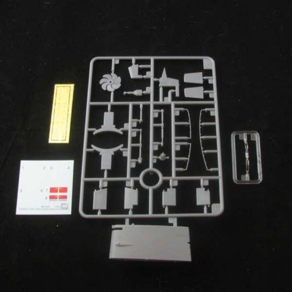 plastikowy-model-do-sklejania-okretu-podwodnego-klasy-yuan-sklep-modelarski-modeledo-image_Bronco Models_BB2004_4