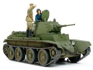 Tamiya 35327 Russian Tank BT-7 Model 1937