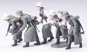 Tamiya 35256 German Assault Infantry w/Winter gear