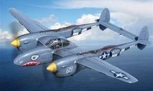 Italeri 2681 P-38 / F-5E Lightning
