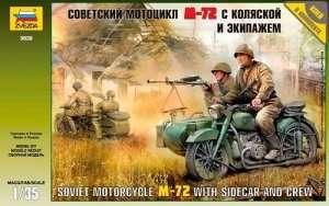 Zvezda 3639 Soviet Motorcycle M-72 with sidecar and Crew