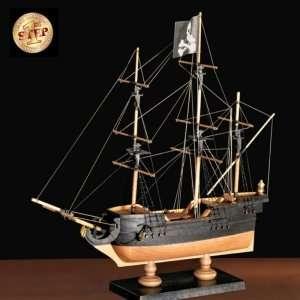 Amati 600/01 Okręt piracki - drewniany model w skali 1:135