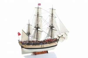 BB514 HMS Endeavour - drewniany model w skali 1:50
