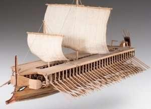 D004 Greek Trireme - drewniany model w skali 1-72