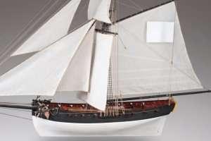 D009 Le Cerf - drewniany model okrętu w skali 1-72