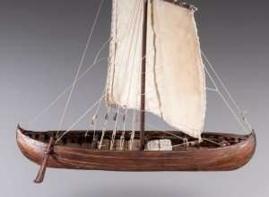 D013 Viking Knarr - drewniany model w skali 1-72
