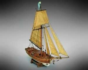 Gretel - Mamoli MV33 - drewniany model w skali 1-54