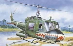 Italeri 050 UH-1C Gunship