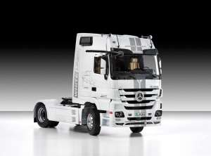 Italeri 3884 Mercedes-Benz Actros Mp3 Black Liner / White Liner