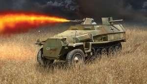 Italeri 7067 Sd.Kfz.251/16 Flammpanzerwagen