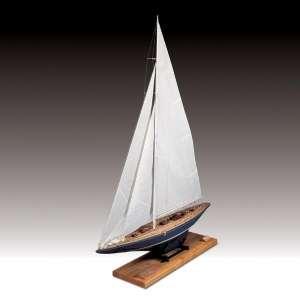 Jacht Endeavour - Amati 1700/82 - drewniany model w skali 1:35