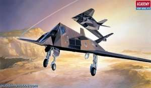 Model Academy 12475 F117A Stealth Fighter/Bomber