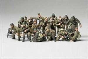 Tamiya 32521 WWII Russian Infantry & Tank Crew set