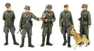 Tamiya 35320 WWII German Field Military Police Set
