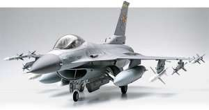 Tamiya 60315 Lockheed Martin F-16 CJ Fighting Falcon