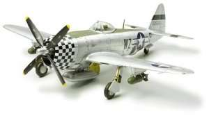 Tamiya 60770 Republic P-47D Thunderbolt Bubbletop