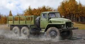Trumpeter 01027 Rosyjska ciężarówka Ural-375D