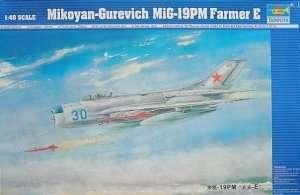 Trumpeter 02804 MiG-19PM Farmer E