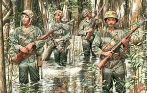 MB 3589 Amerykańscy żołnierze Marines w dżungli z WWII