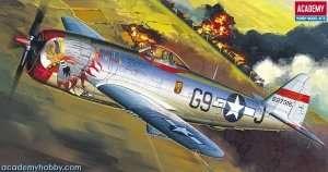 Model Academy 12491 myśliwiec Republic P-47D Bubble Top