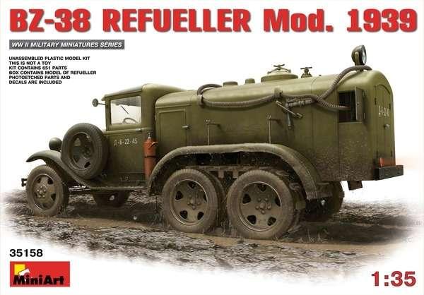 Plastikowy model radzieckiej cysterny BZ-38 w skali 1:35 firmy Miniart.