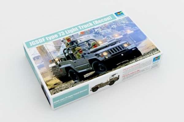 Wojskowy pojazd Jeep typ 73 - zwiad, plastikowy model do sklejania Trumpeter 05519 w skali 1:35