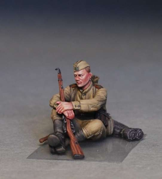 MiniArt 35233 w skali 1:35 - figurki Soviet soldiers taking a break do sklejania - image h