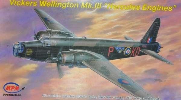 Brytyjski dwusilnikowy średni bombowiec Vickers Wellington Mk.III, plastikowy model do sklejania MPM 72542 w skali 1:72