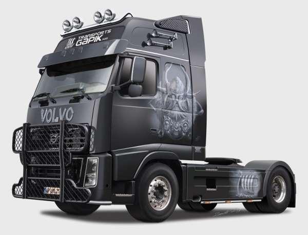 Ciężarówka do sklejania Volvo FH16 XXL Viking w skali 1-24 Italeri 3931 ita3931_image_1-image_Italeri_3931_1