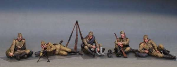 MiniArt 35233 w skali 1:35 - figurki Soviet soldiers taking a break do sklejania - image e